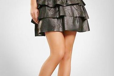 8 Tips for Choosing a Leather Skirt