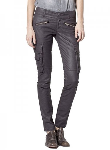 Why Leather Pants Should Be Included in Everyone's Wardrobe